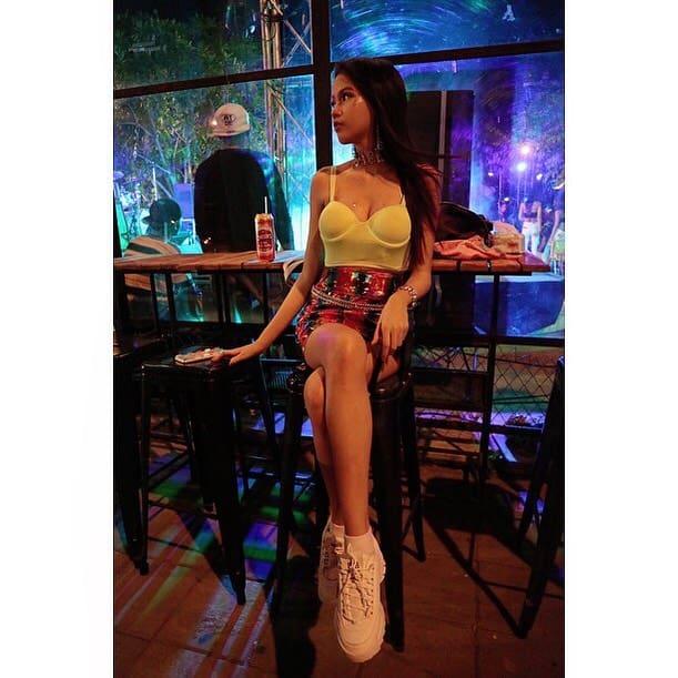 Clubbing 90s Party Fashion
