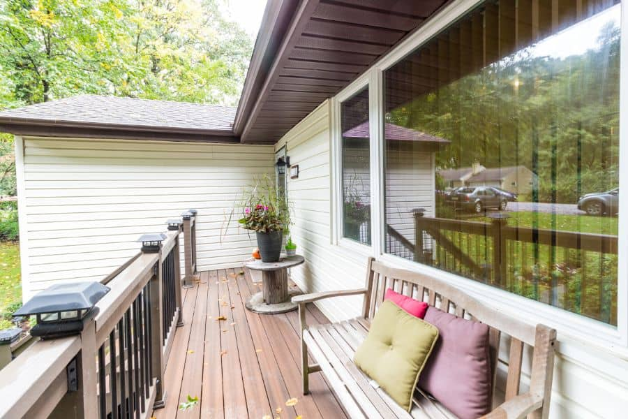 Cocktail Porch Railing Ideas 4