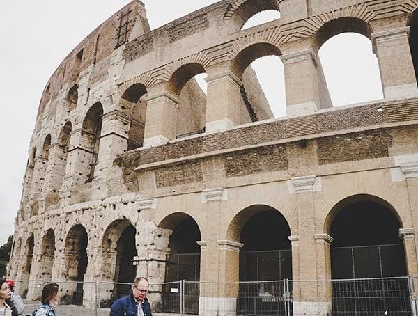 Colosseum Arch Details Exterior