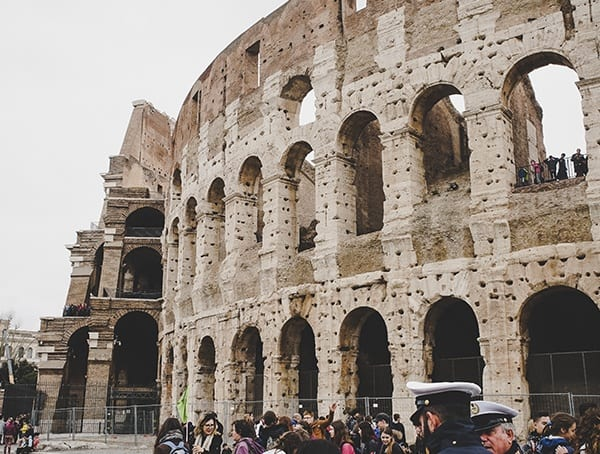 Colosseum Waiting In Line View From Outside