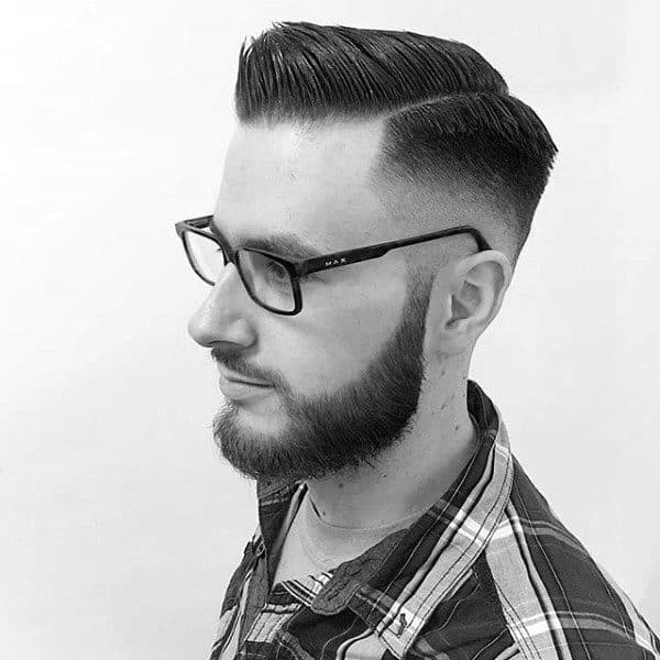 Comb Over Skin Fade Hairstyle For Men