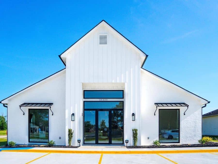 Combination Siding Modern Farmhouse Exterior Coffeecustomhomebuilders