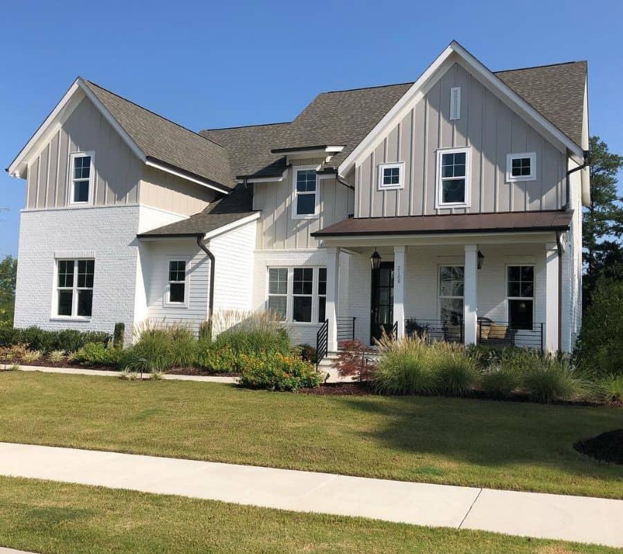 Combination Siding Modern Farmhouse Exterior Hayesbartonhomes