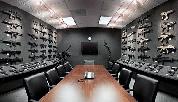 Confrence Gun Room Design With Office Table And Chairs