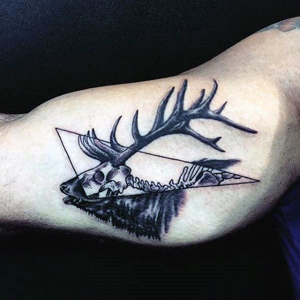 Cool Bicep Mens Deer Antler Tattoo Design