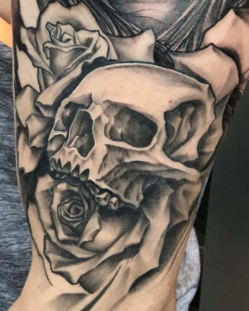 cool-black-and-gray-skull-and-rose-chrtattoo