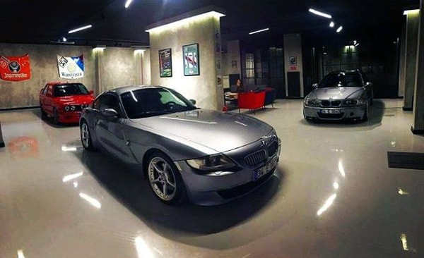 Top 100 best dream garages for men places you 39 ll want to for Garage bmw 33