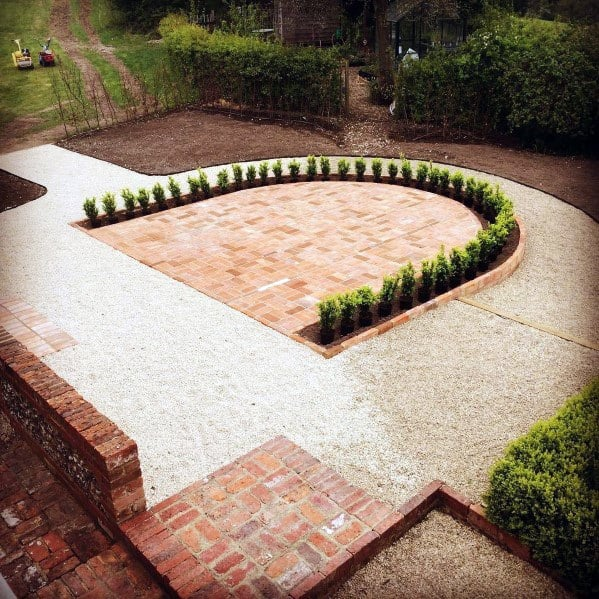 Cool Brick Patio Design Ideas With U Shaped Plants