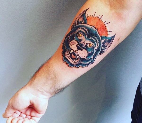 Cool Guys Wolf Tattoo Designs On Forearm
