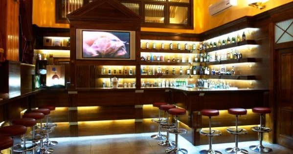 http://nextluxury.com/wp-content/uploads/cool-home-bar-lighting.jpg
