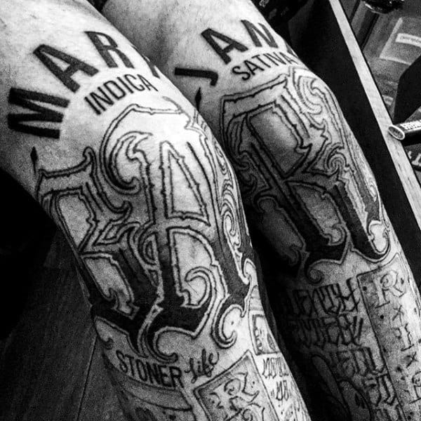 Cool Lettering Knee Tattoos For Males
