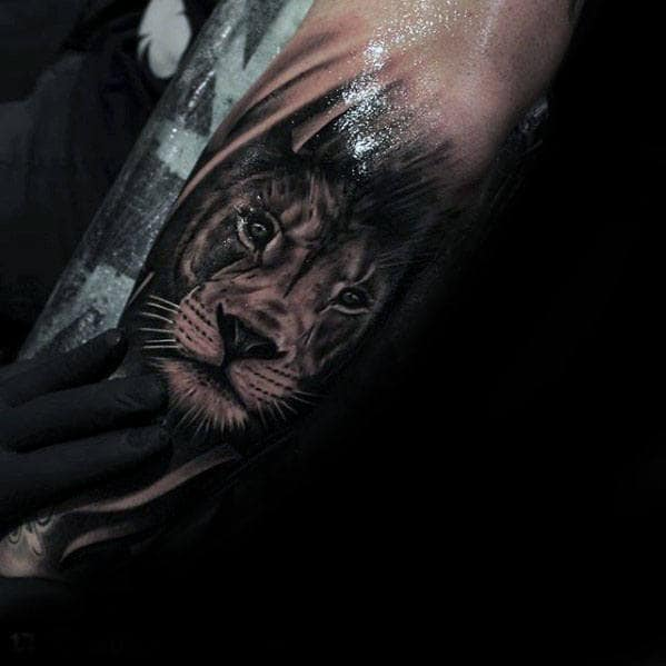 Cool Lion Head Guys Realistic Tattoo On Forearm