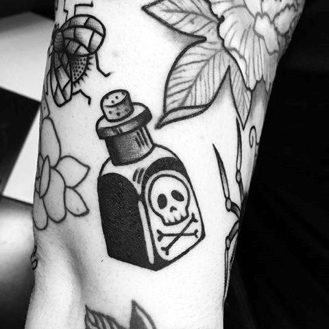 40 poison bottle tattoo designs for men killer ink ideas. Black Bedroom Furniture Sets. Home Design Ideas