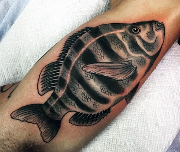 Cool Men's Fish Tattoo On Bicep