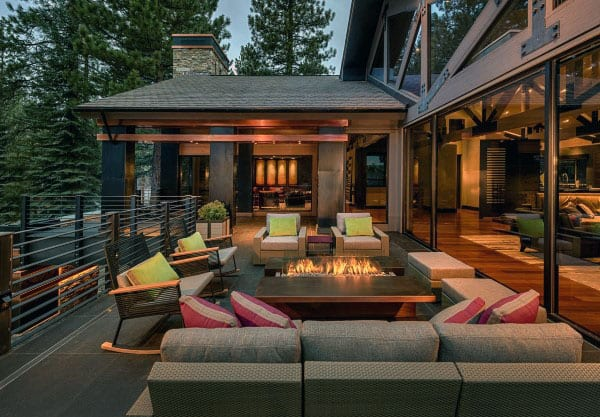 Cool Patio Lounge Area With Square Fit Pit