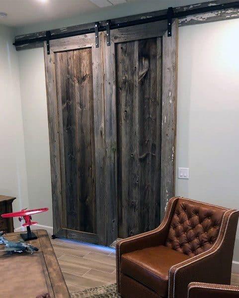Cool Salvaged Barn Wood Sliding Door Design Ideas