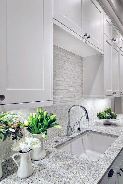 Cool Traditional White Kitchen Stone Backsplash Ideas