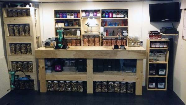 Cool Wood Bench Reloading Room Ideas