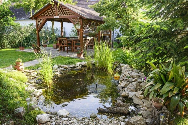 Cottage Backyard Garden Pond Ideas