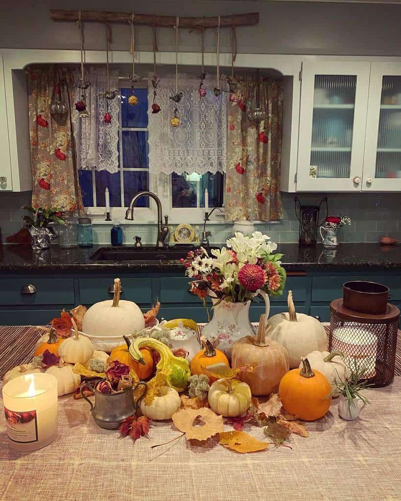 cottage kitchen curtain ideas edelweiss_cottage