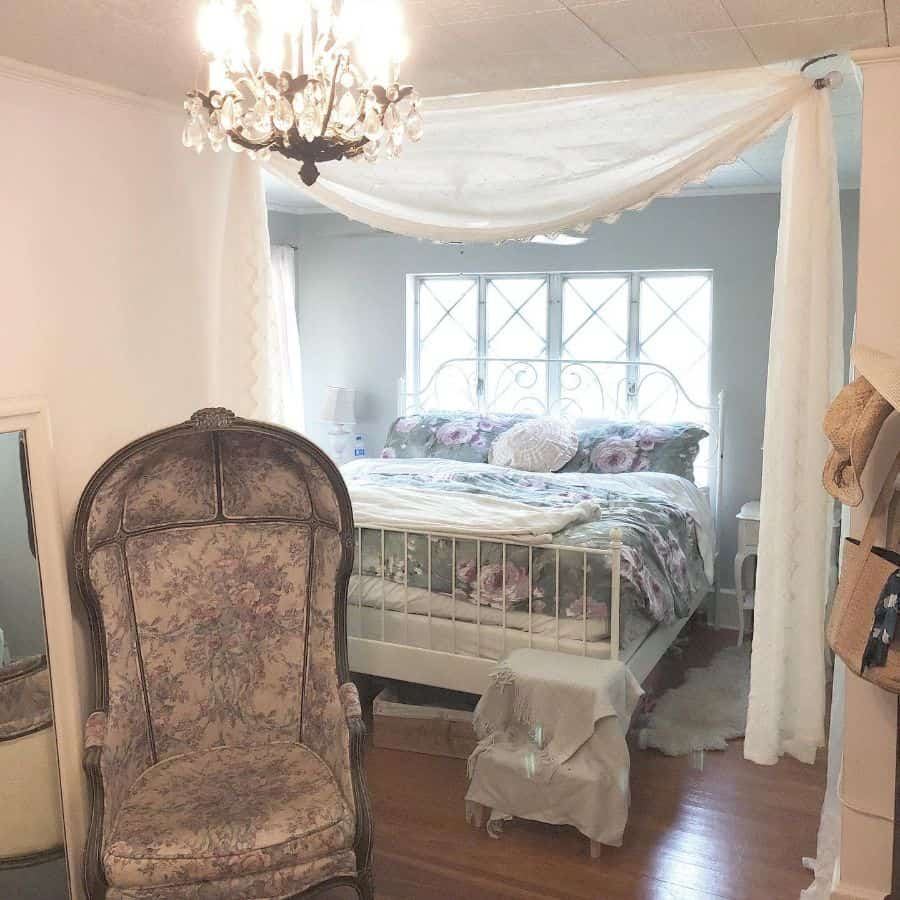cottage romantic bedroom ideas glamourustique