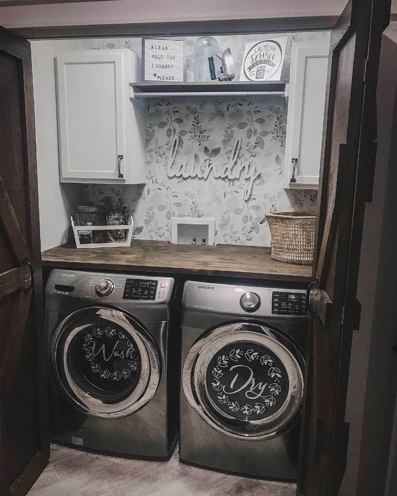 counter laundry closet ideas _livingwithants