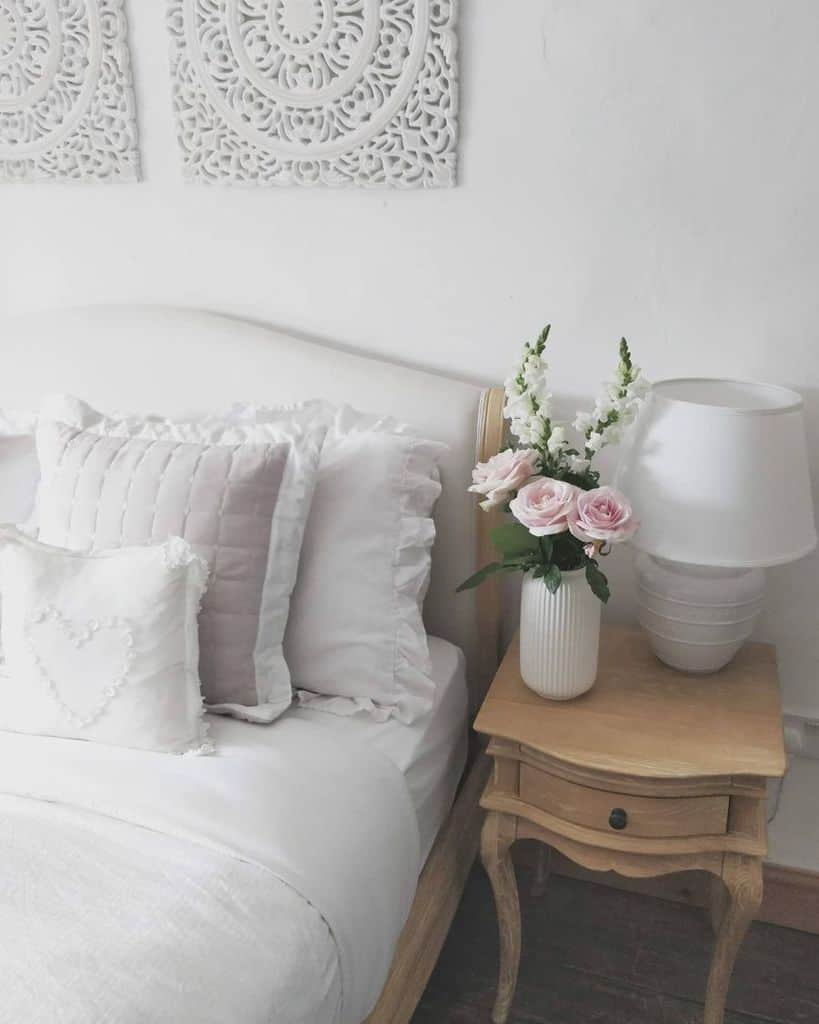 country chic white bedroom ideas thecosycornercottage