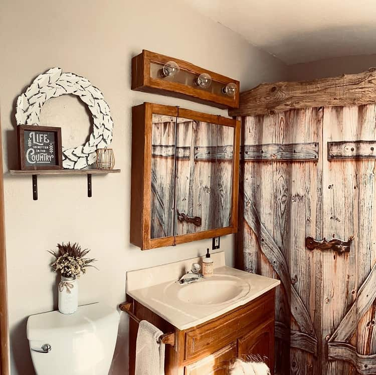 Country Style Rustic Farmhouse Bathroom Savannahlee.creativity