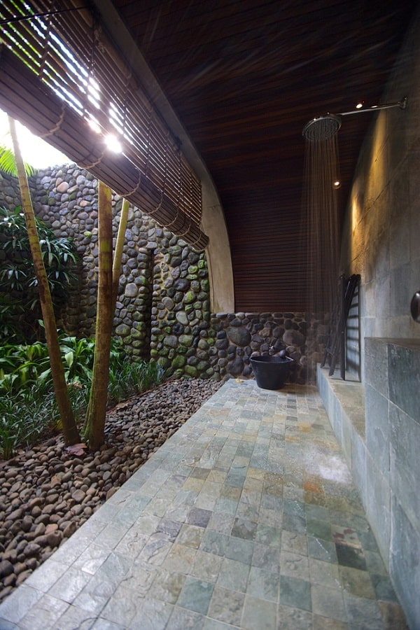 Beautiful Outdoor Showers