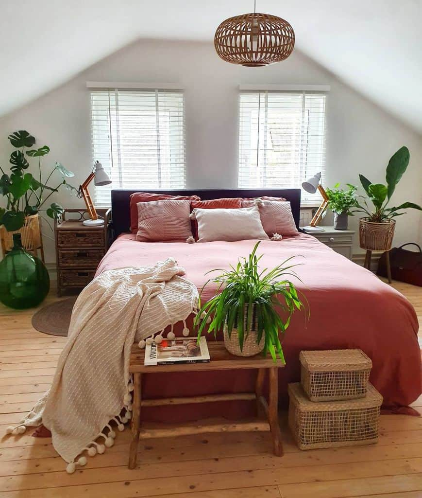 cozy attic bedroom ideas for women nieks_servies