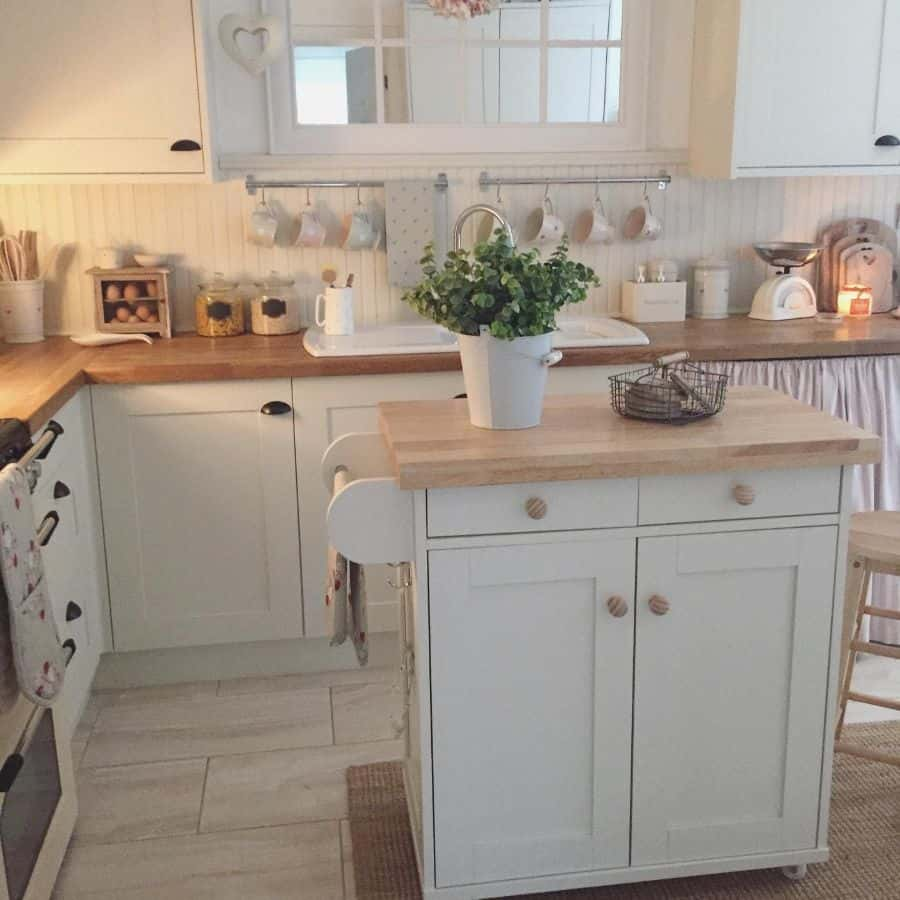 cozy country kitchen ideas hearts.and.home