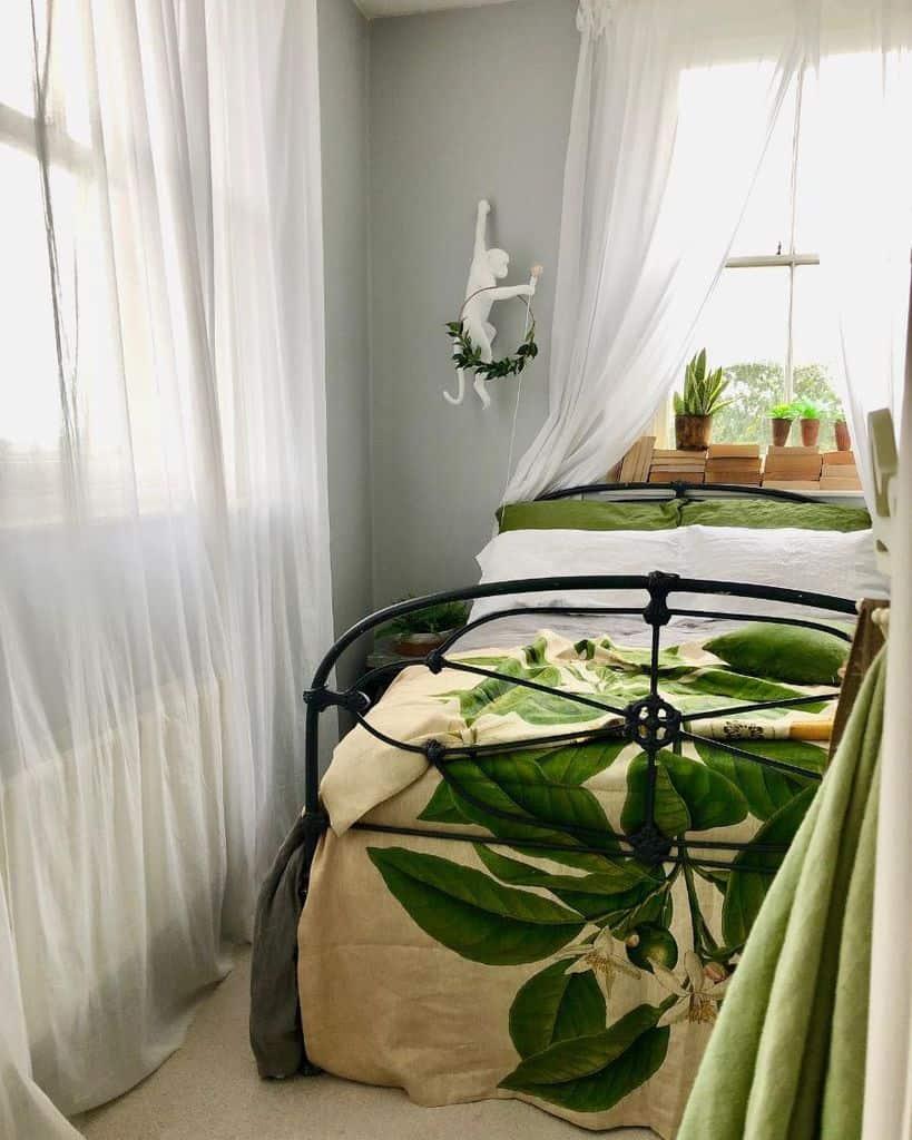 Cozy Tiny Bedroom Ideas Ingewatrobski
