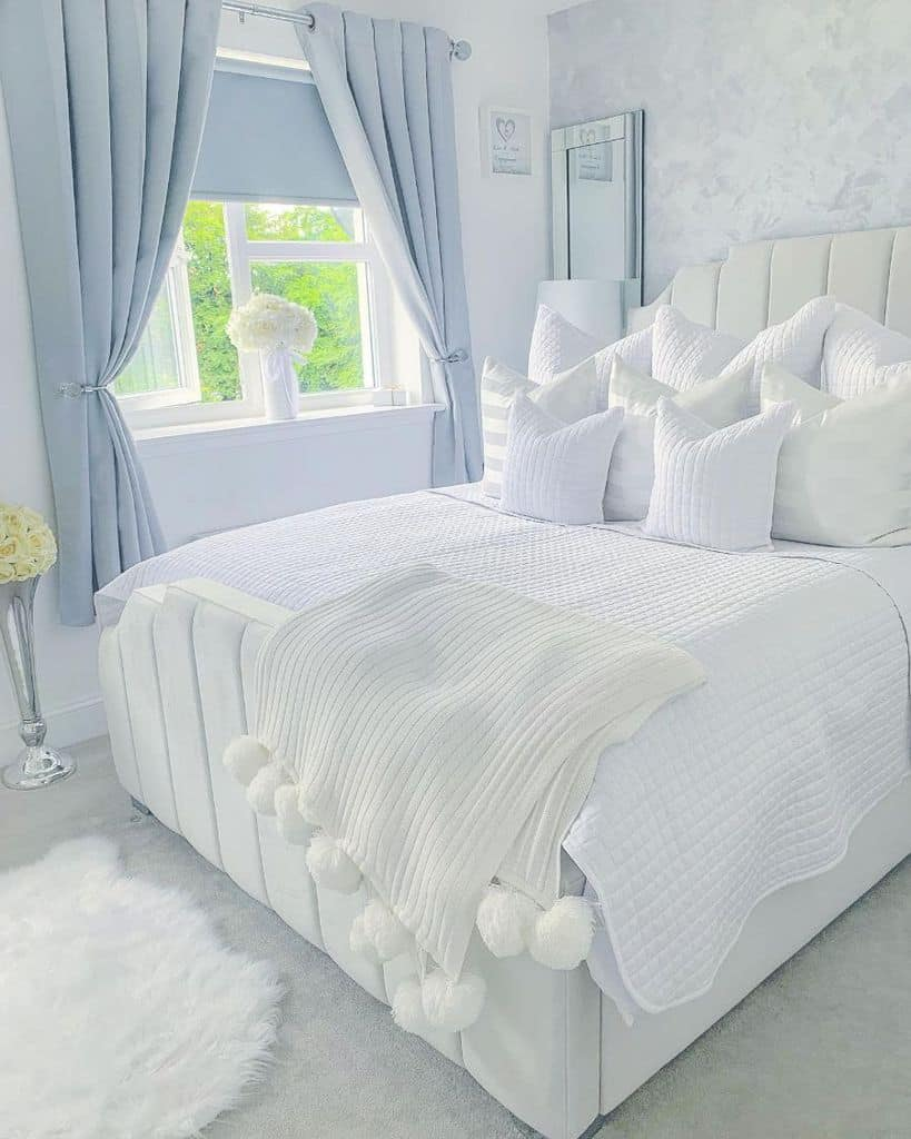 cozy white bedroom ideas homeatmerlingardens