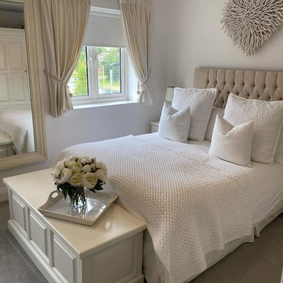 cozy white bedroom ideas neutral_home_inspiration