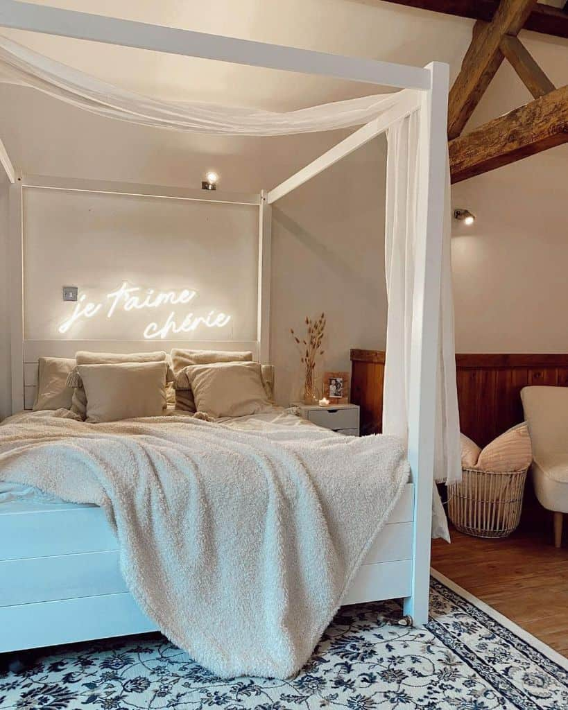 cozy white bedroom ideas theoldcoach_house