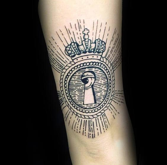 Crown With Keyhole Mens Woodcut Tattoo Designs On Arm