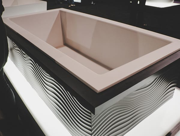 Cruved Wavy Design Bathtub Vegas Nahb Show 2019