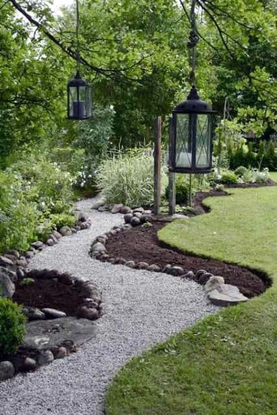 Curved Backyard Design Ideas For Gravel Walkway