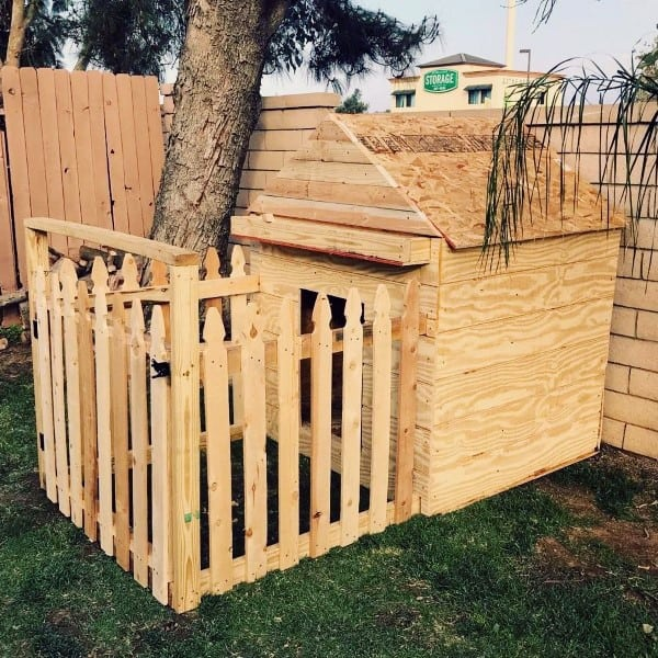 Custom Dog House Design With Picket Fence Exterior