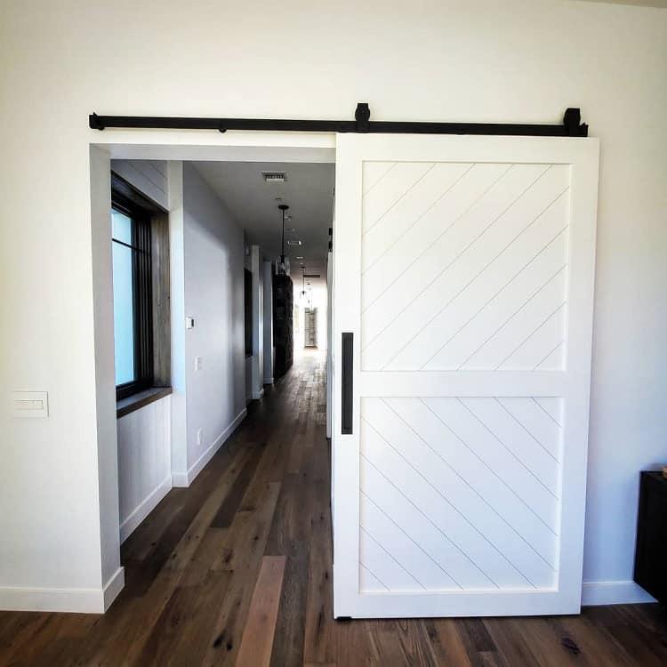 Custom Wood Work White Barn Door