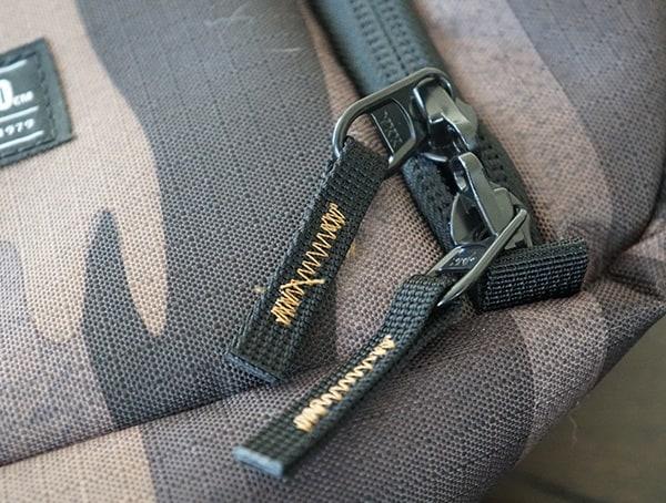 Dakine Fall Line Ski Roller Bag Zippers
