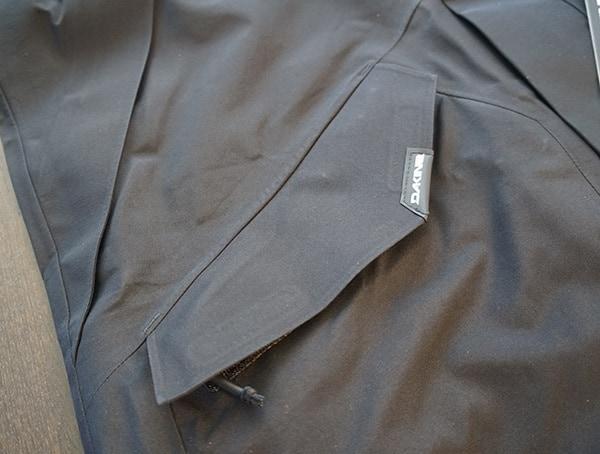 Dakine Sawtooth Gore Tex 3l Jacket Lower Pocket Closed