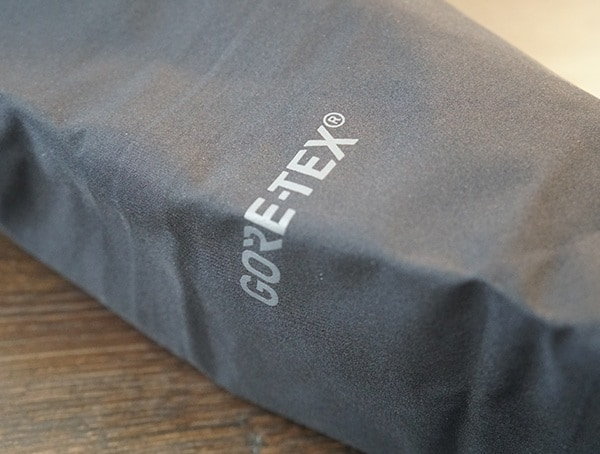 Dakine Sawtooth Gore Tex Logo Detail On Sleeve Of 3l Jacket