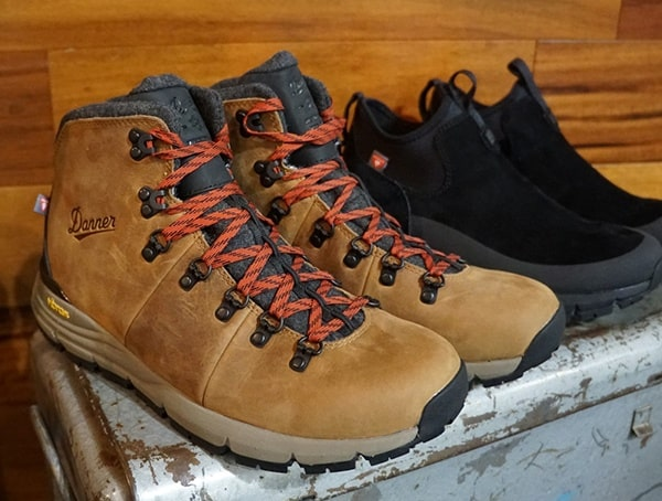 Danner Winter Mens Hiking Boots With Red Laces And Wool Liner