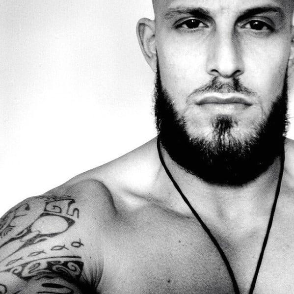 Dappper Mens Medium Beards Styles
