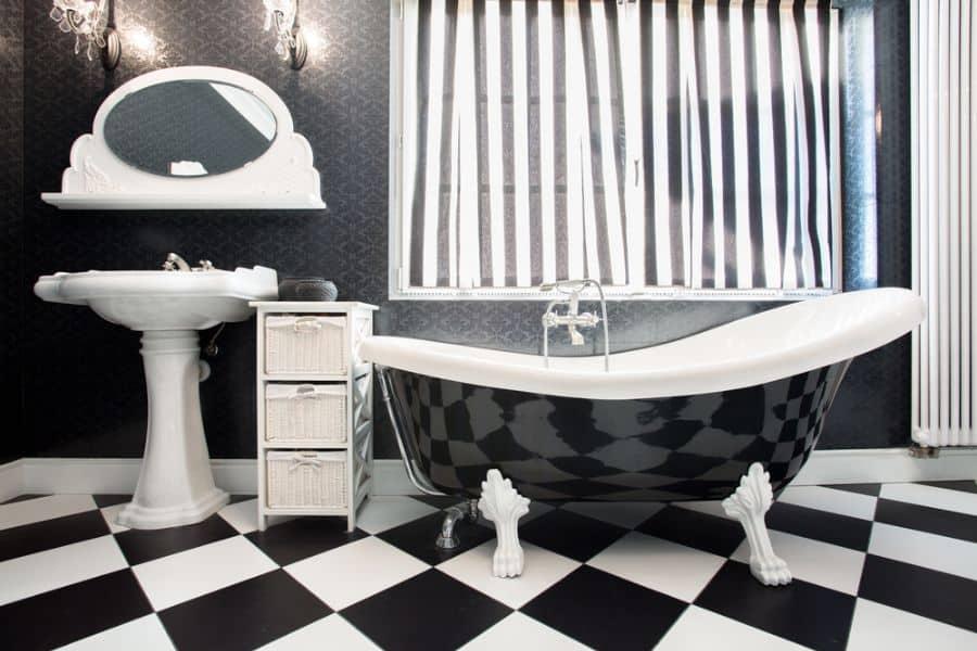 Dark Bathroom Wallpaper Ideas 2