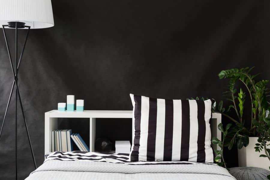 dark black and white bedroom ideas 1