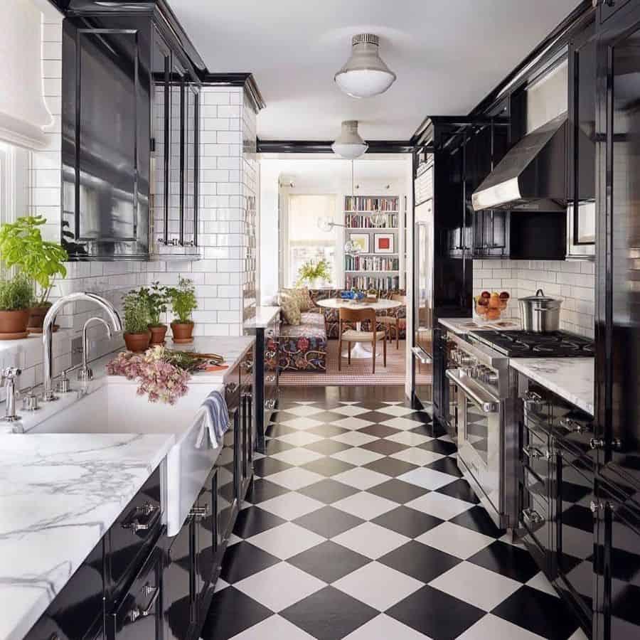 dark galley kitchen ideas beautiful_homes5