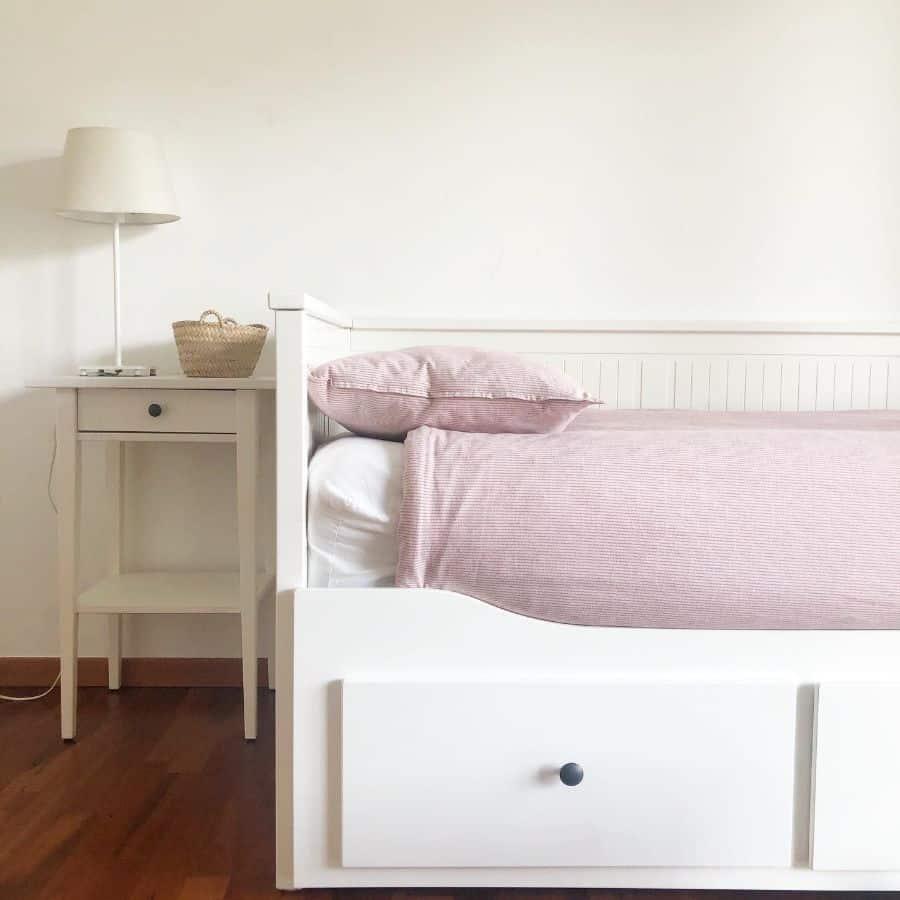 Day Bed Guest Bedroom Ideas Gemmarecasens
