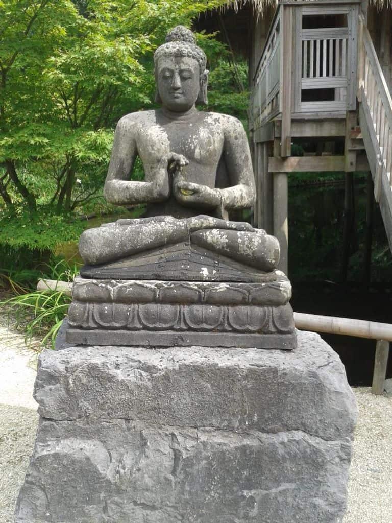 decor and religious sculpture zen garden ideas 5